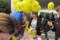 Am Amnesty-Stand lagen Petitionen aus, unter anderem für Menschenrechtsaktivisten aus China.