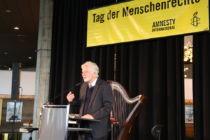 """Jürgen Miksch bei seiner Rede zum Thema """"Menschen auf der Flucht – eine Jahrhundertaufgabe"""""""